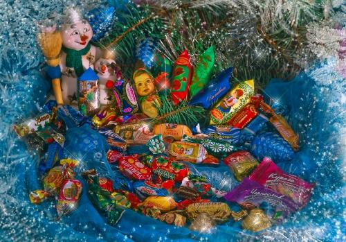 На что следует ориентироваться при выборе сладких новогодних подарков для детей?